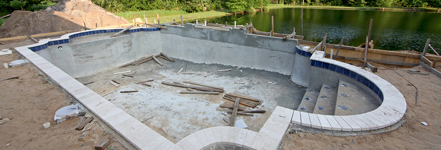 Piscine en b ton en gironde for Construction piscine 80